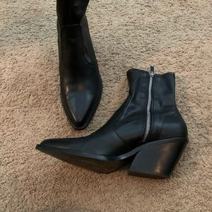 Excellent TopShop leather ankle boots
